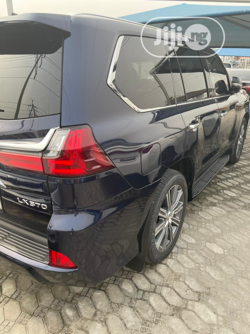 Lexus LX 2017 570 Base Blue
