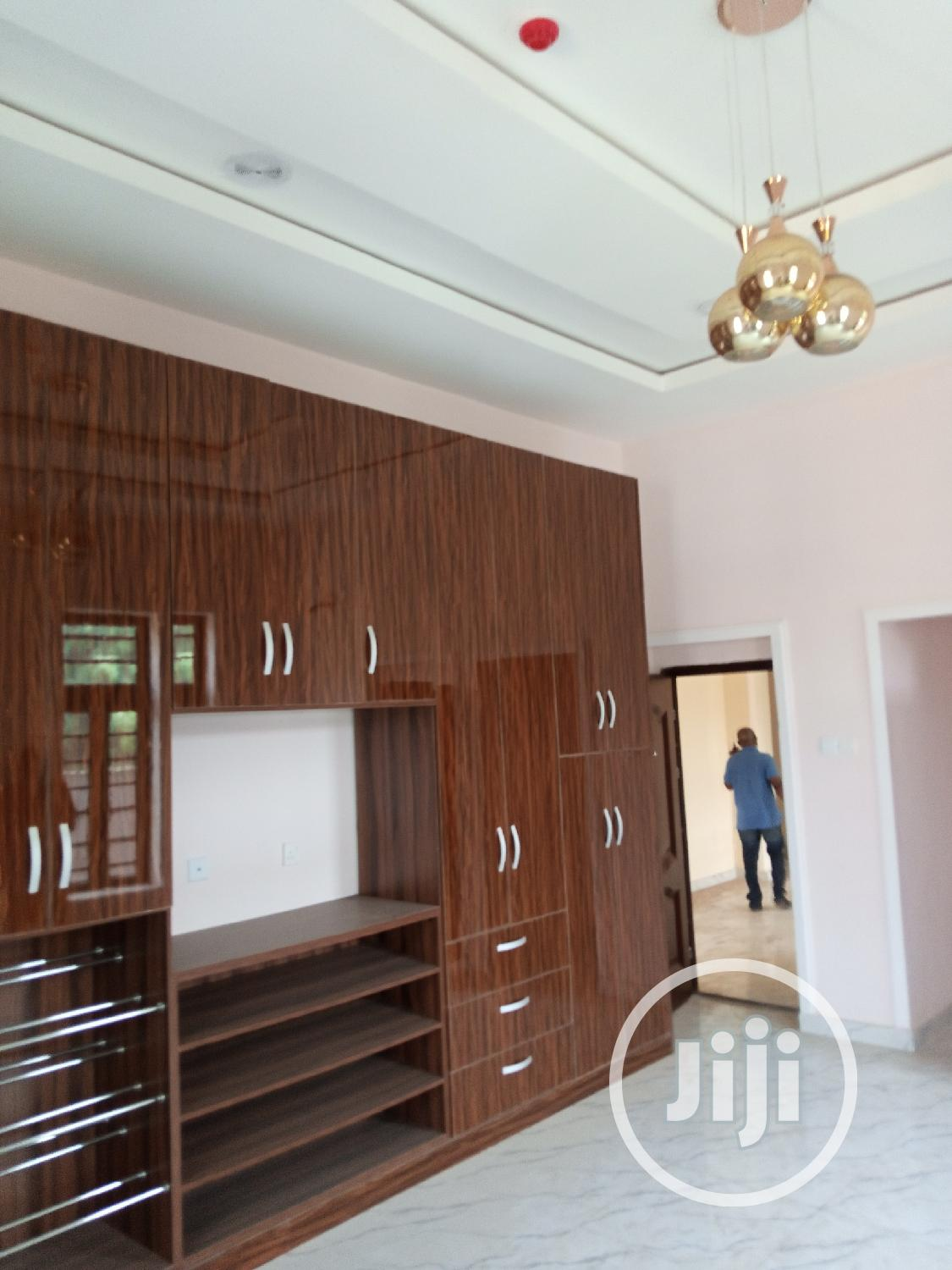 Archive: 5 Bedrooms Detached Duplex With Bq All Room Ensuit