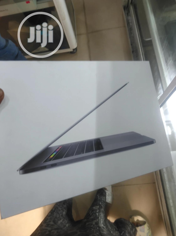 Laptop Apple MacBook Pro 2018 16GB Intel Core I7 SSD 512GB