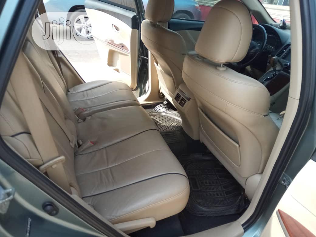 Archive: Toyota Venza 2010 V6 AWD Beige
