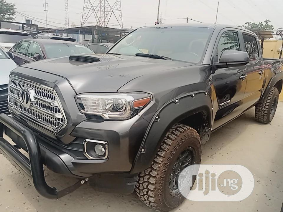 Toyota Tacoma 2016 4dr Double Cab Gray | Cars for sale in Ajah, Lagos State, Nigeria