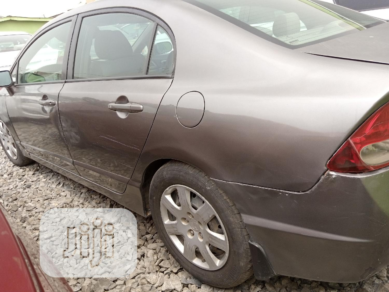 Archive: Honda Civic 2010 Gray