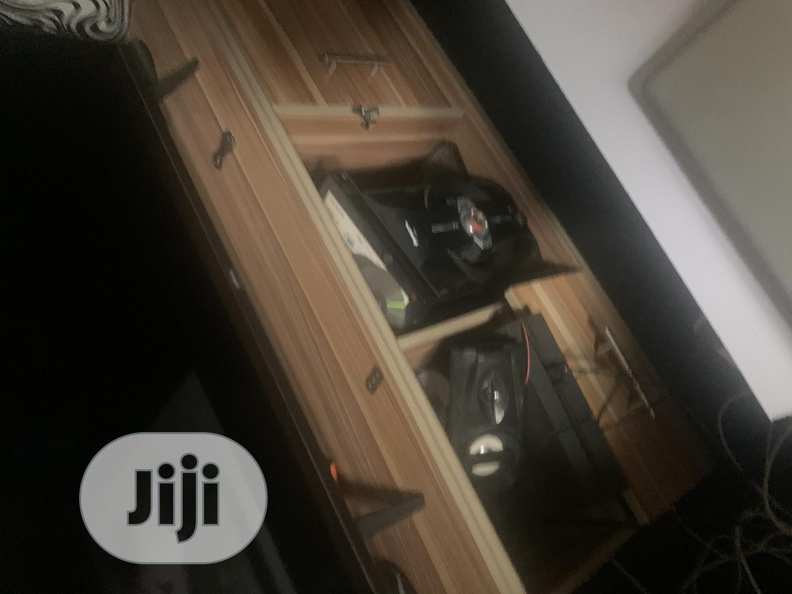 Archive: TV Stand