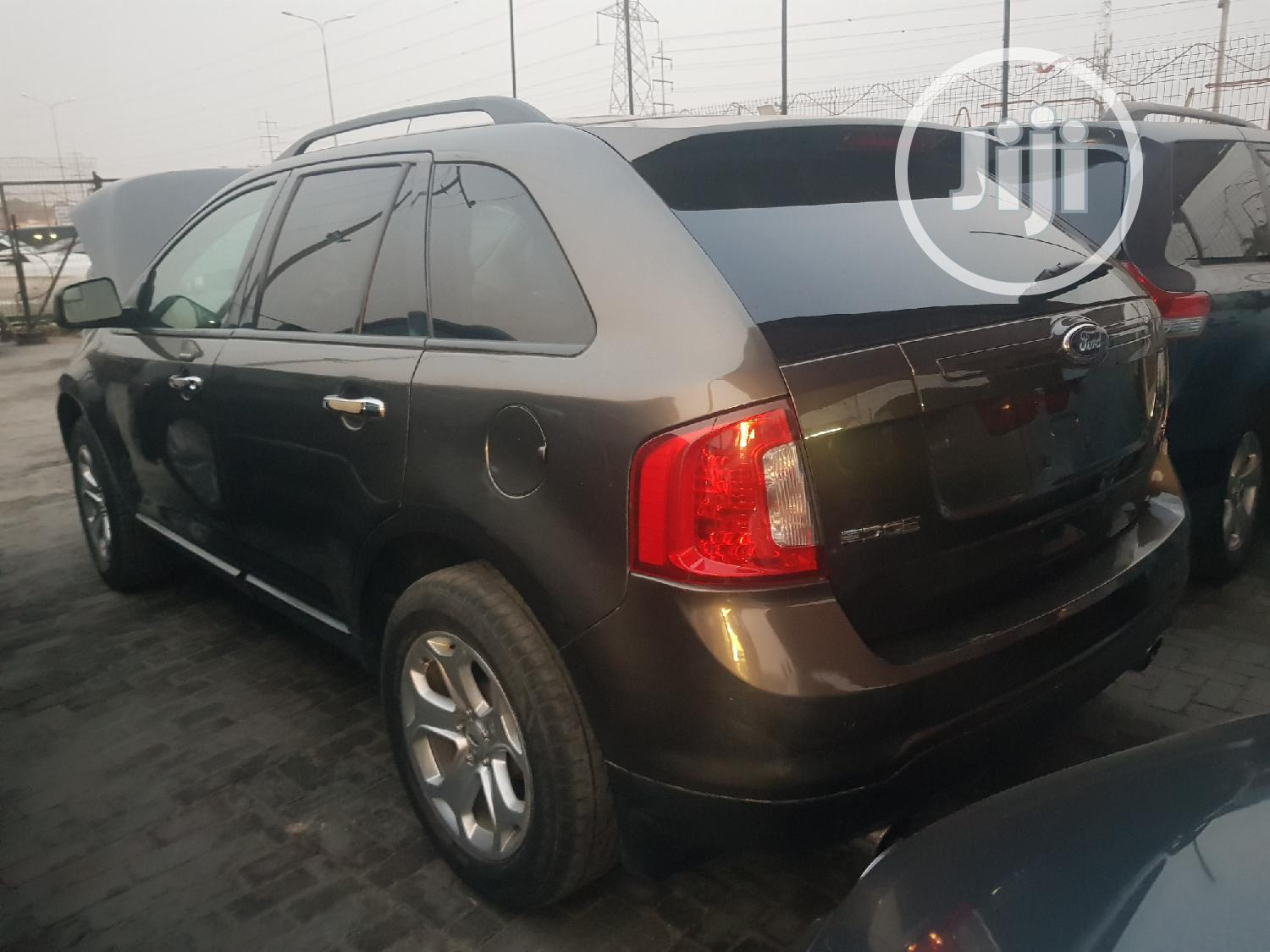 Archive: Ford Edge 2011 Gray