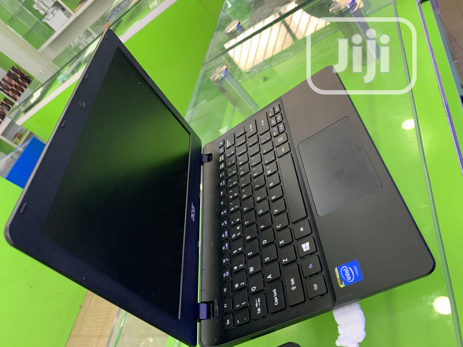 Laptop Acer Aspire ES1-111M 2GB Intel Celeron SSD 32GB