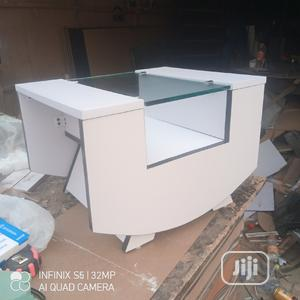 White and Black Mgr Center Table and Stoods With Glass/Drawe   Furniture for sale in Lagos State, Oshodi