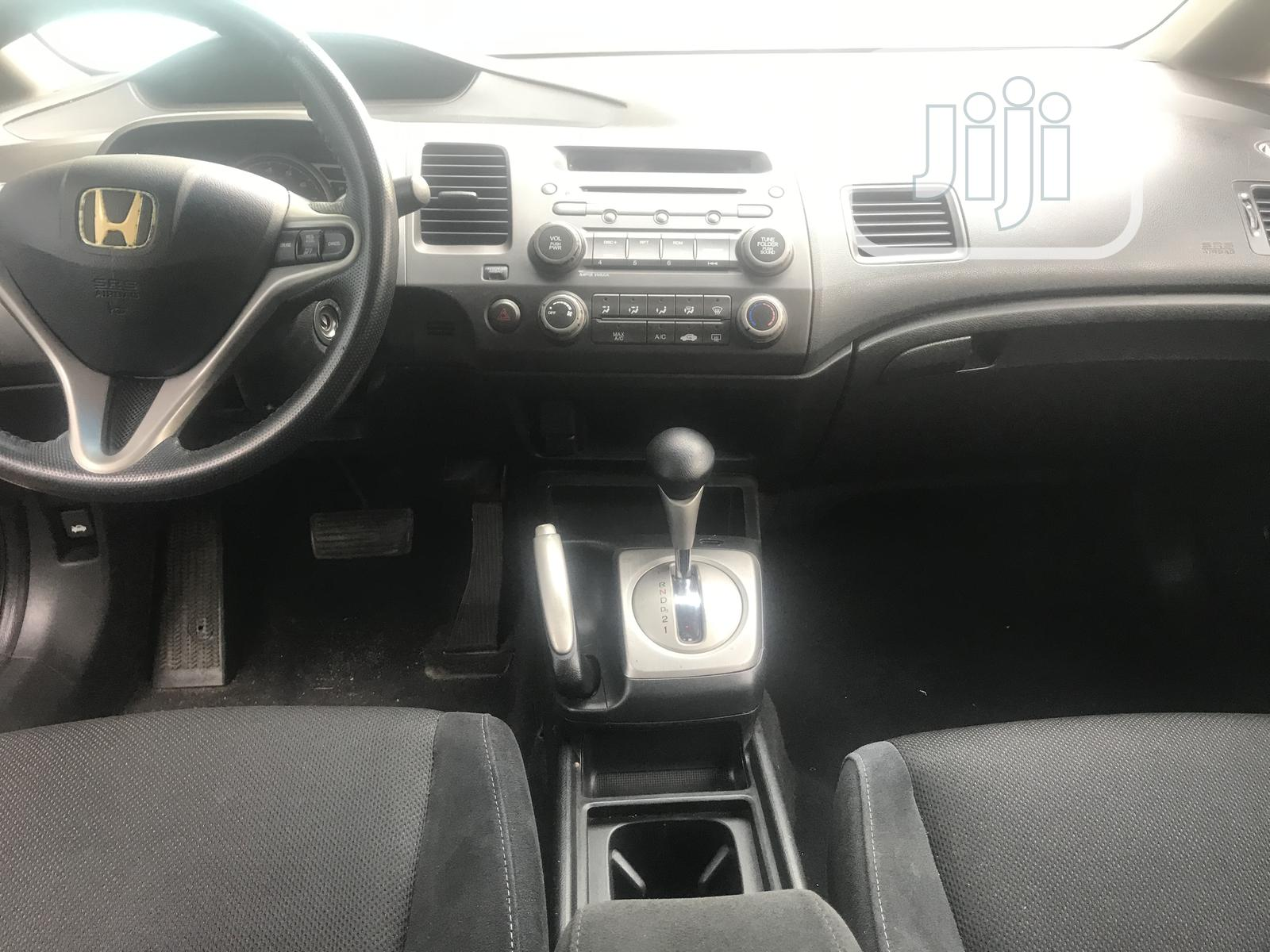 Archive: Honda Civic 2009 1.4 Red