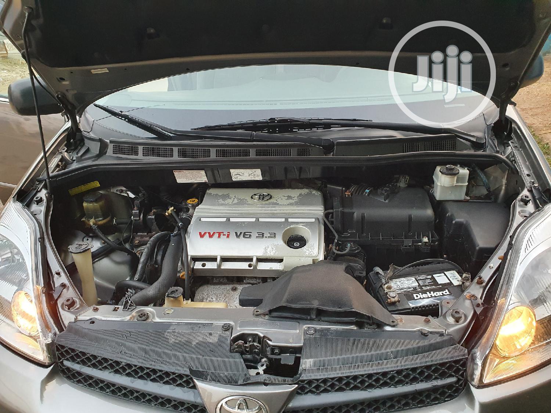 Toyota Sienna 2005 LE AWD Gray | Cars for sale in Gwarinpa, Abuja (FCT) State, Nigeria