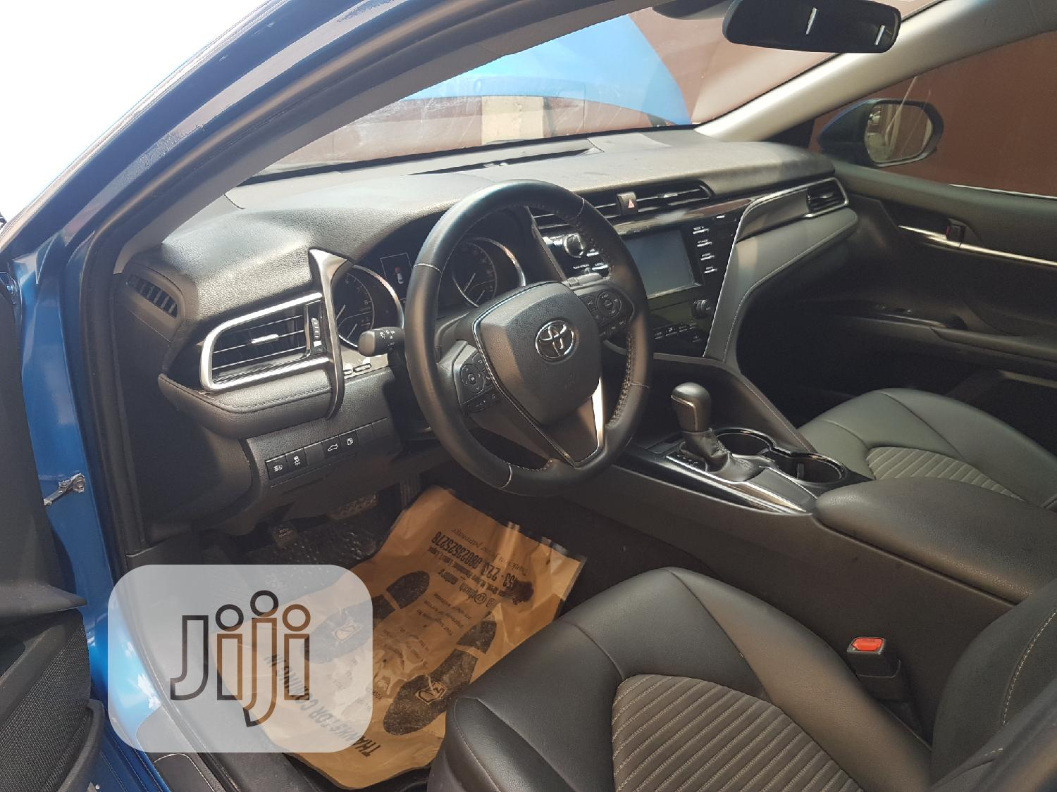 Toyota Camry 2018 SE FWD (2.5L 4cyl 8AM) Blue | Cars for sale in Lekki, Lagos State, Nigeria