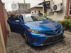 Toyota Camry 2018 SE FWD (2.5L 4cyl 8AM) Blue | Cars for sale in Lagos State, Lekki
