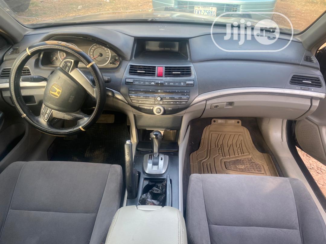 Archive: Honda Accord 2008 2.0i-Vtec Executive Gray
