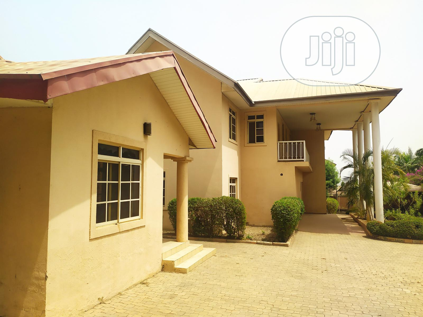 5 Bedroom Detached Duplex | Houses & Apartments For Sale for sale in Life Camp, Gwarinpa, Nigeria