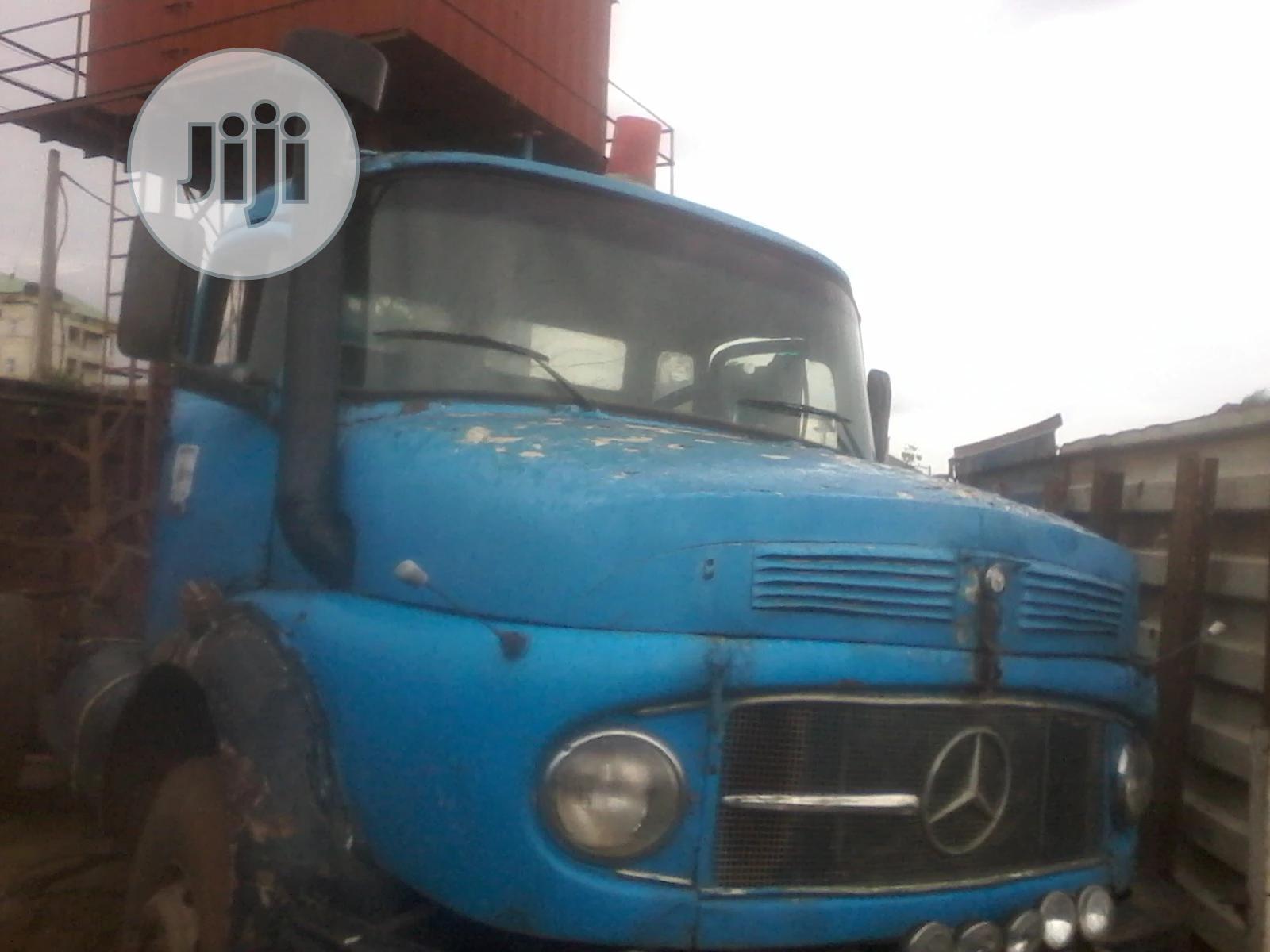 Archive: Mercedes Benz 1999 Blue For Sale