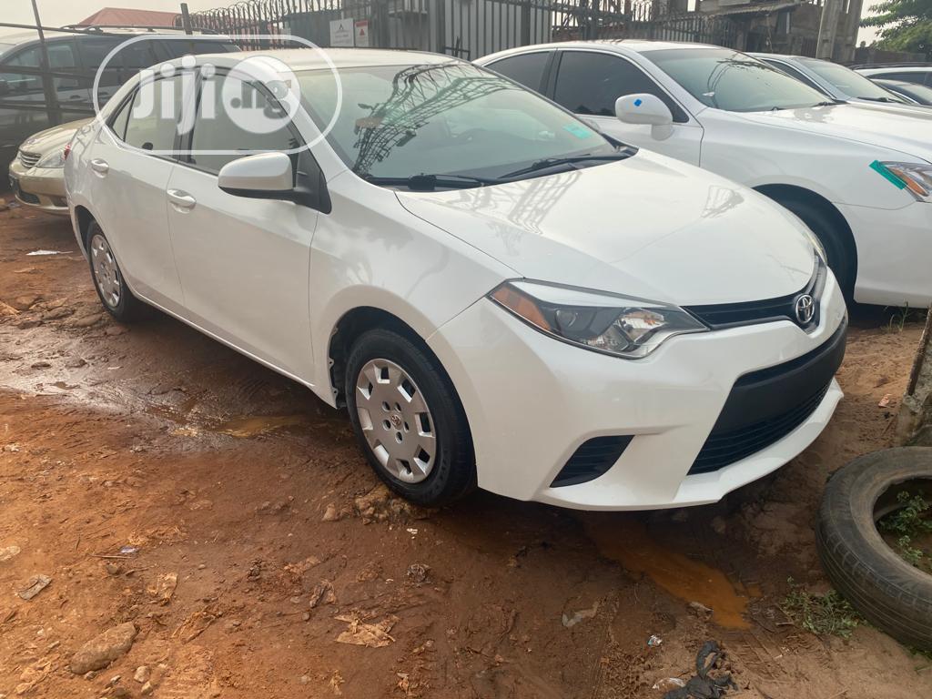 Toyota Corolla 2014 White