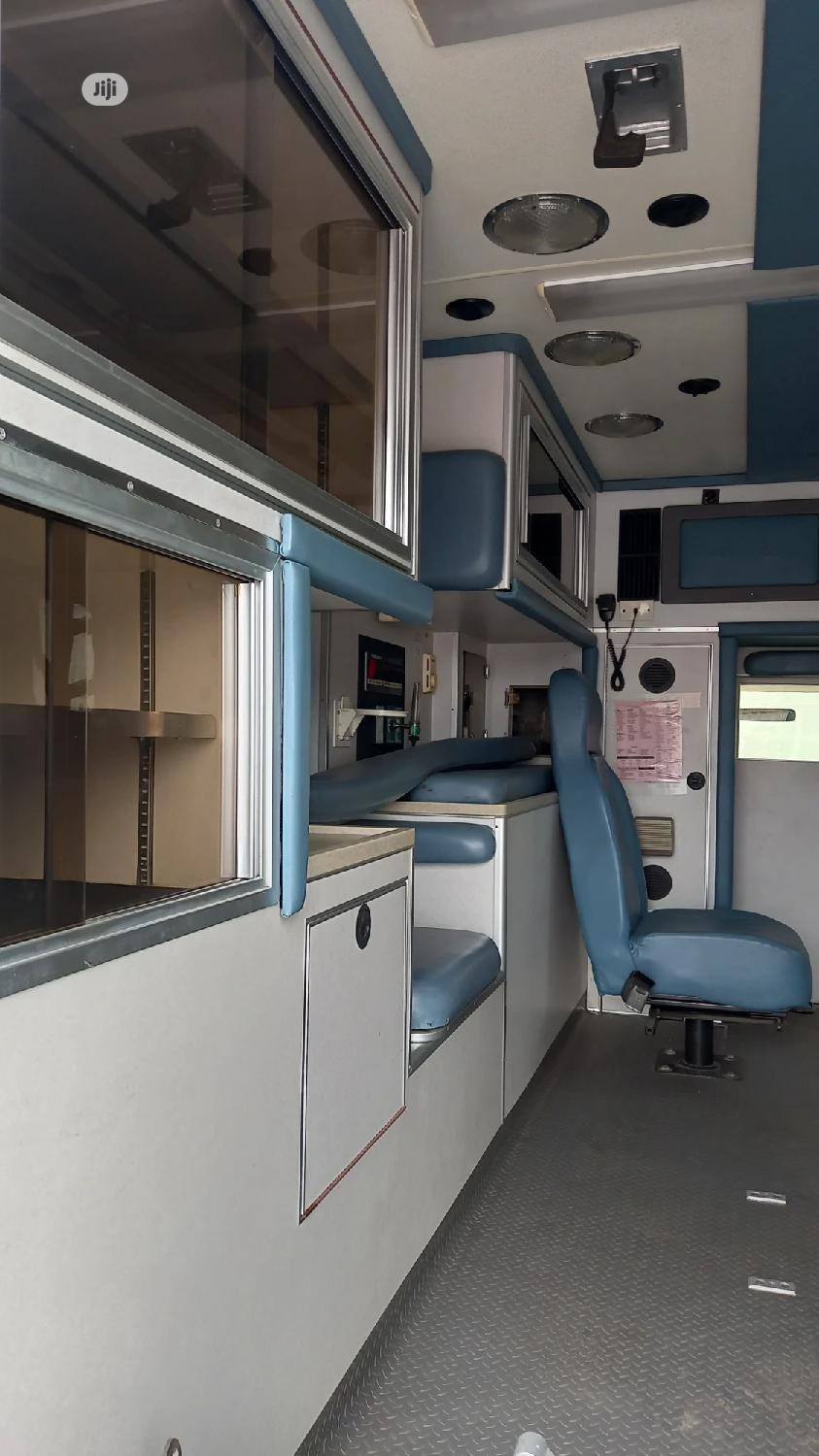 Tok 2006 Ford Ambulance | Buses & Microbuses for sale in Ikeja, Lagos State, Nigeria