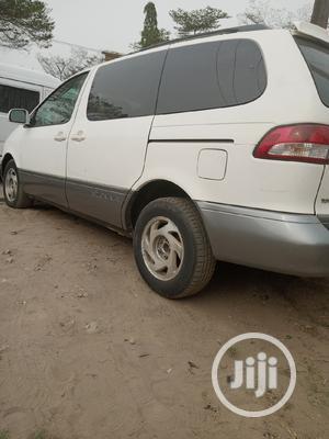 Toyota Sienna 2001 XLE White   Cars for sale in Lagos State, Amuwo-Odofin