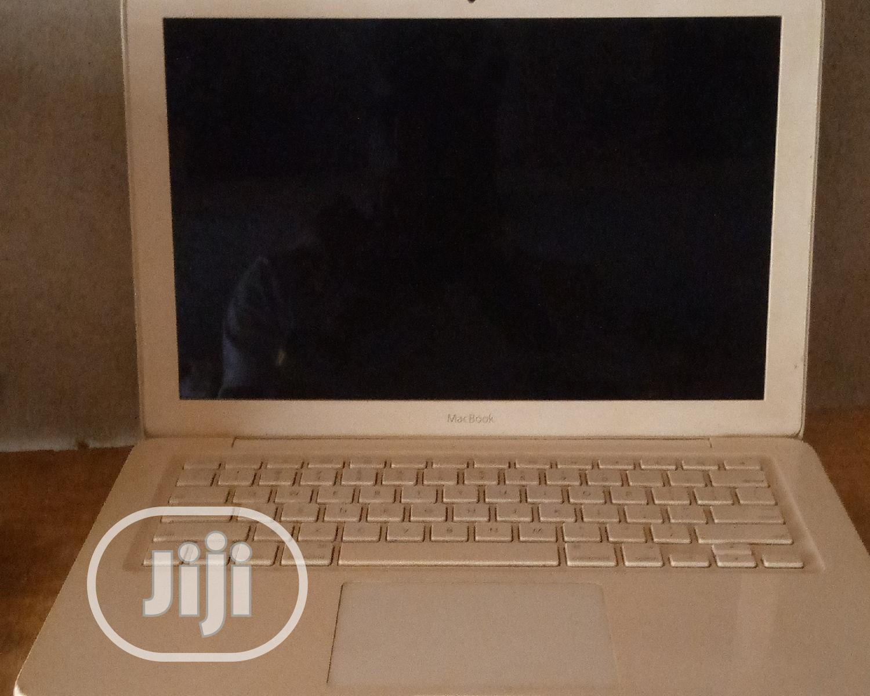 Archive: Laptop Apple MacBook 4GB Intel Core I5 HDD 320GB