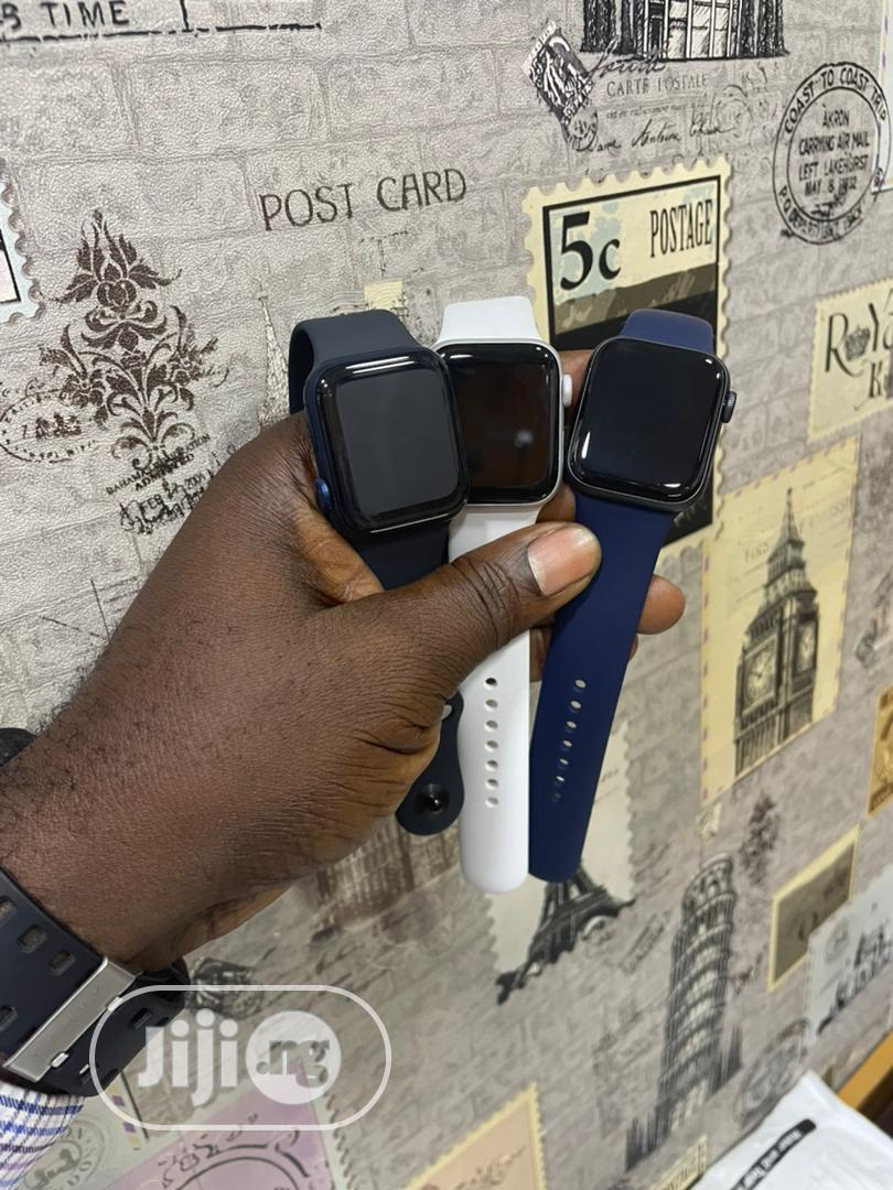 Archive: Apple Iwatch Series 5 44MM