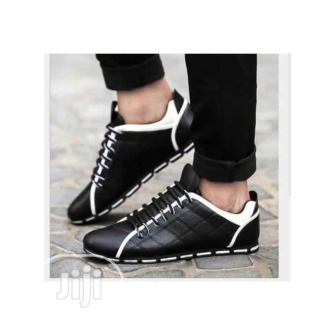 Men Casual Outdoor Leather Sneakers Shoes -Black and White