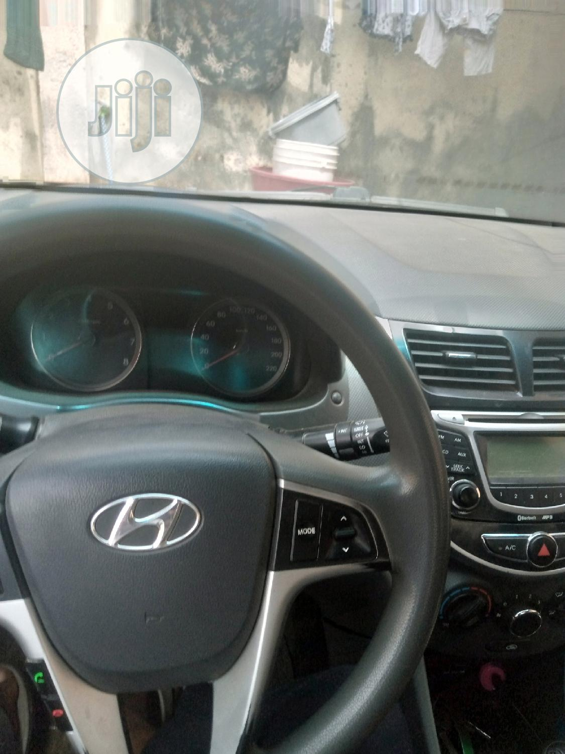 Hyundai Accent 2012 GLS Gray | Cars for sale in Kubwa, Abuja (FCT) State, Nigeria