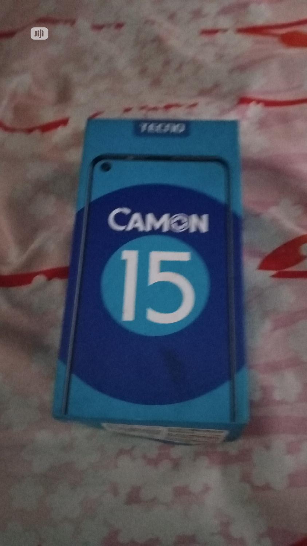 Archive: Tecno Camon 15 64 GB Pink