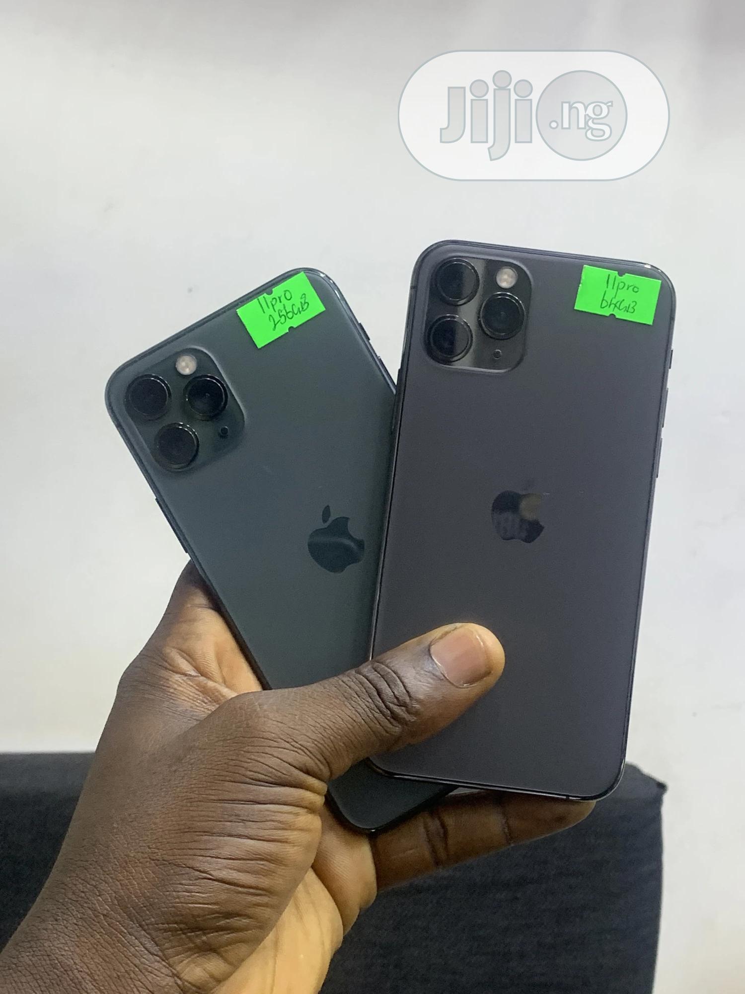 Archive: Apple iPhone 11 Pro 64 GB Gray