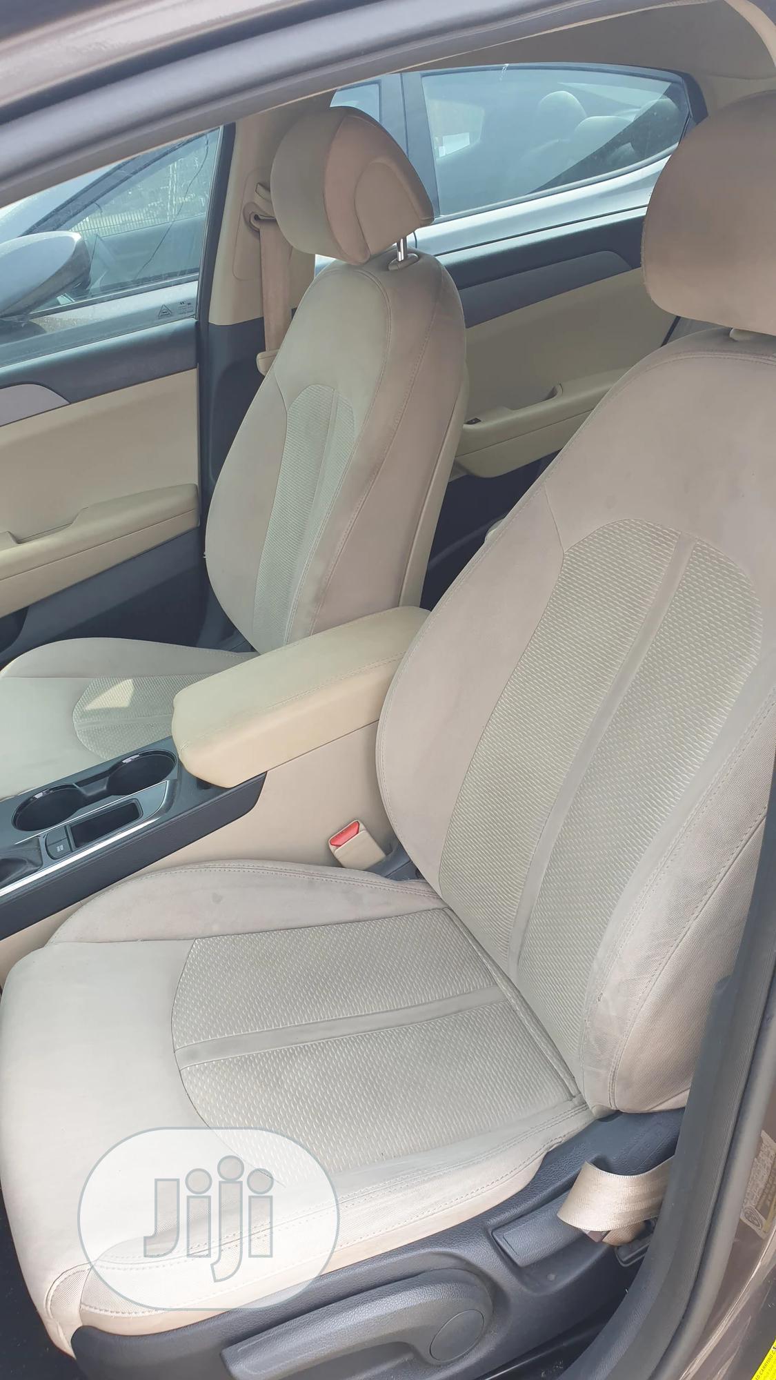 Archive: Hyundai Sonata 2015 Gray