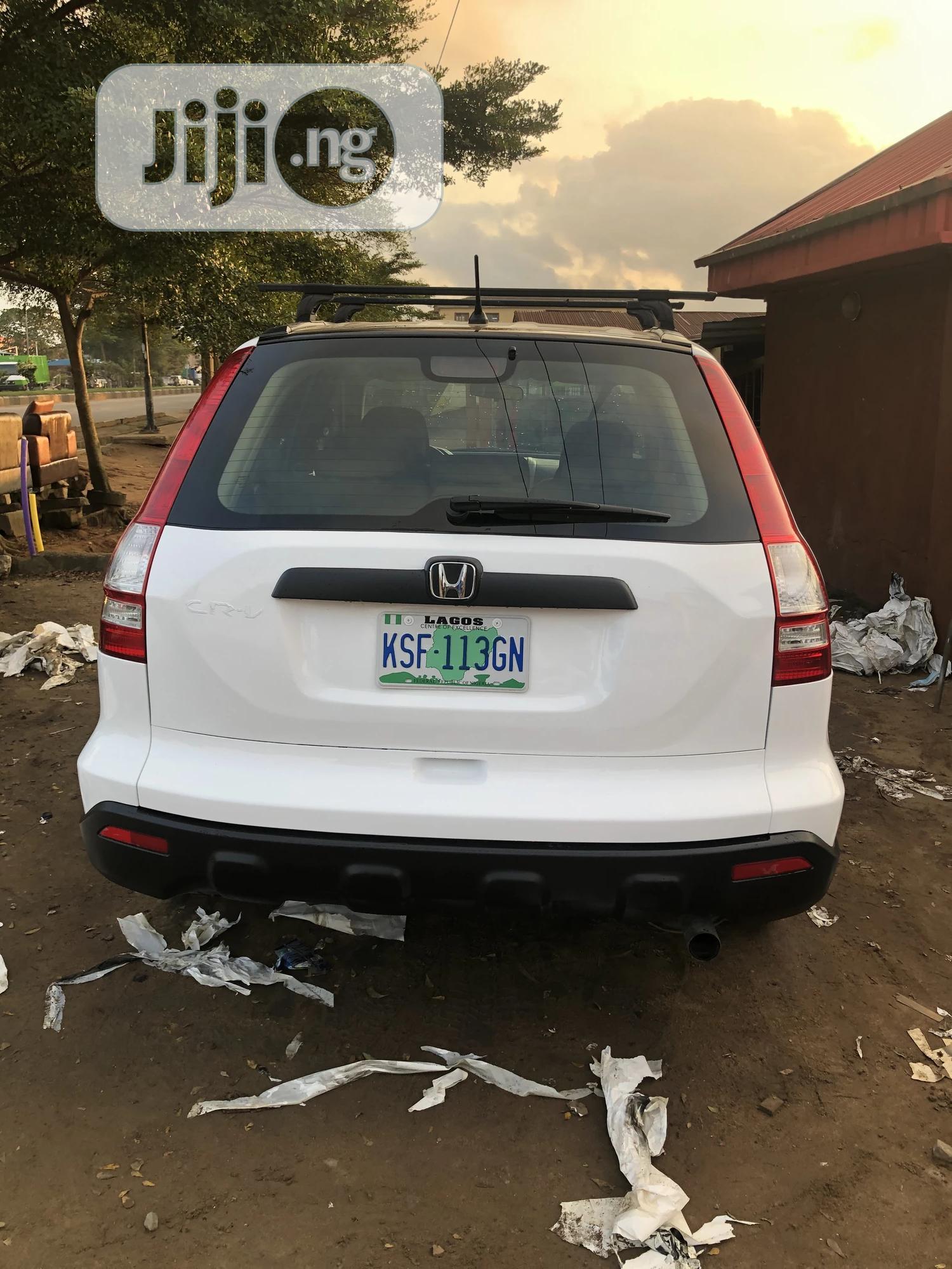 Honda CR-V 2008 2.4 White   Cars for sale in Isolo, Lagos State, Nigeria