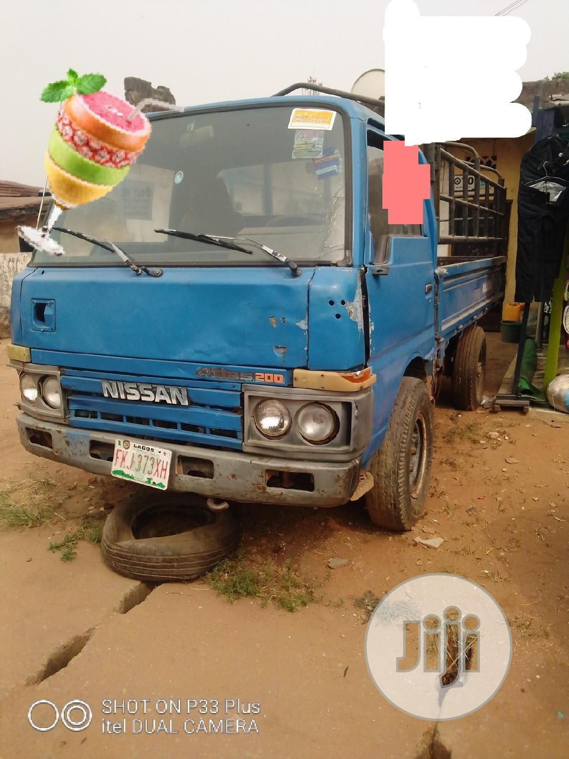 Archive: Sound and Clean Truck 1996 Blue for Sale
