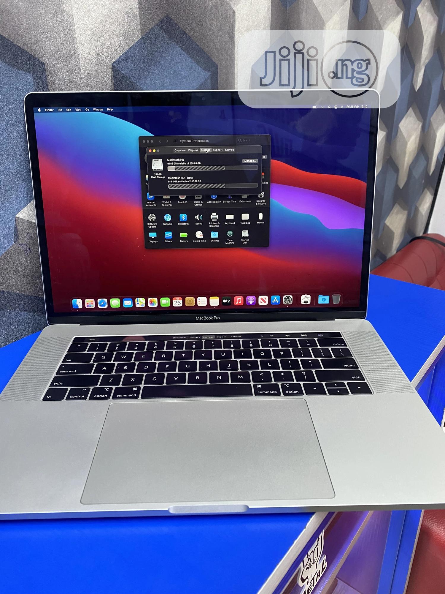 Laptop Apple MacBook Pro 2019 16GB Intel Core I7 SSD 256GB