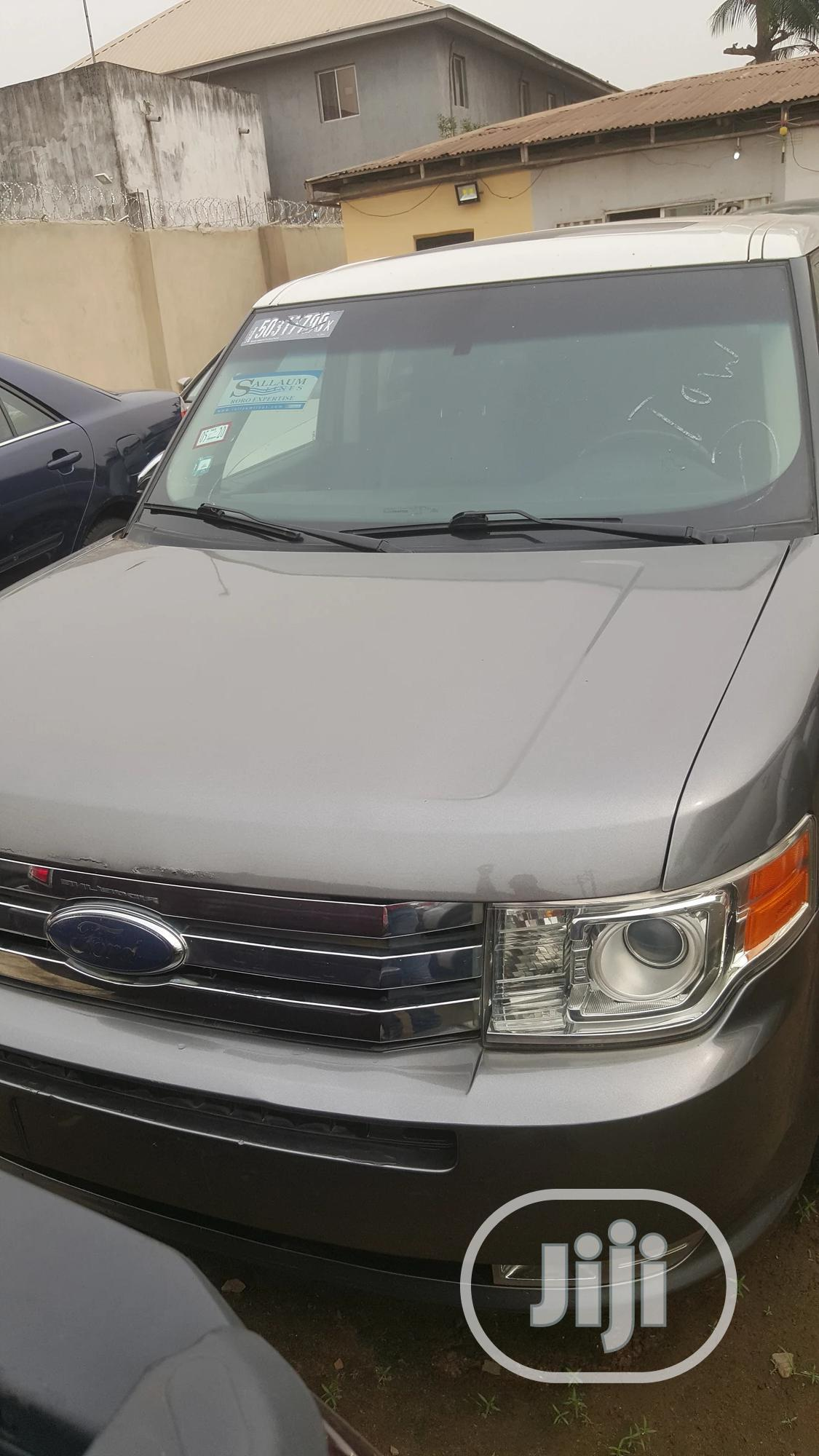 Archive: Ford Flex 2009 Silver