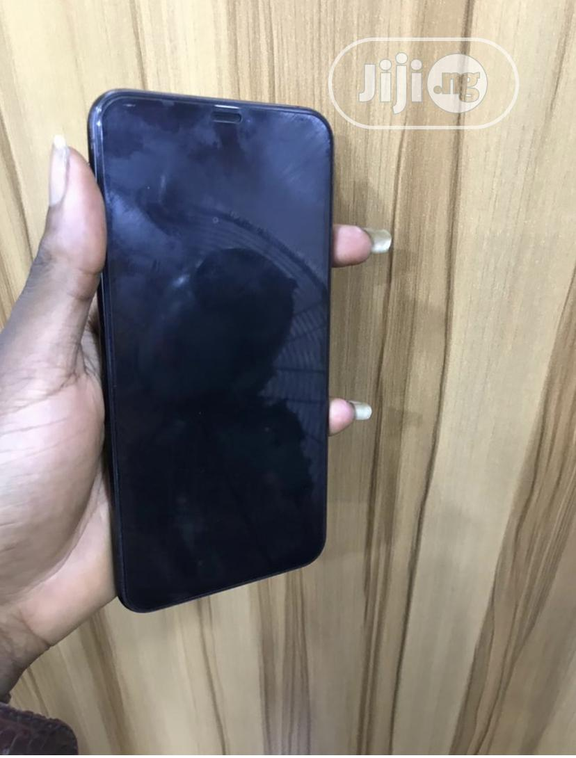 Archive: Apple iPhone XS Max 64 GB Black