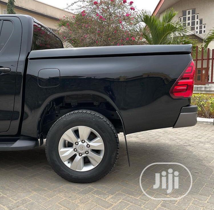 Archive: Toyota Hilux 2020 Black