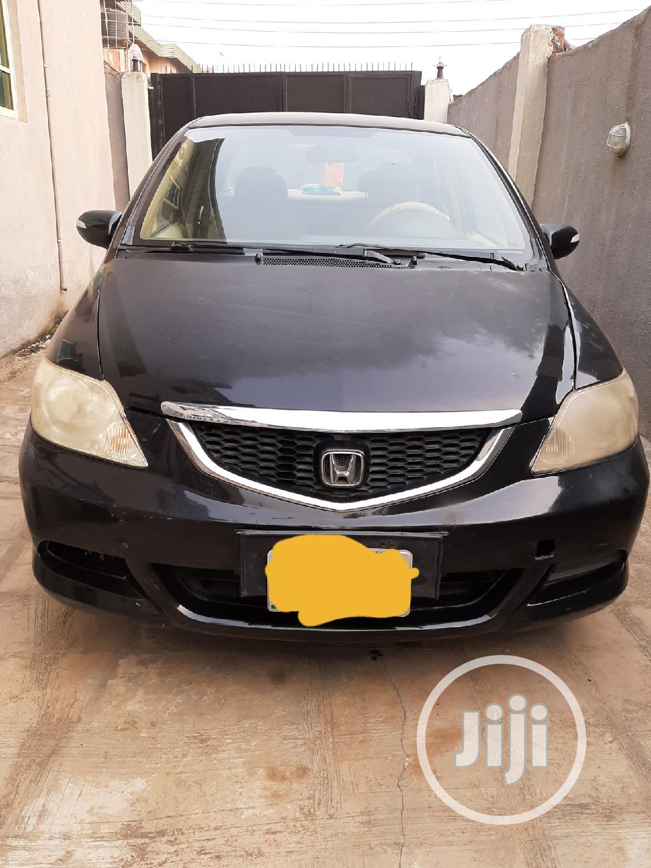 Archive: Honda Civic 2008 1.4 Black