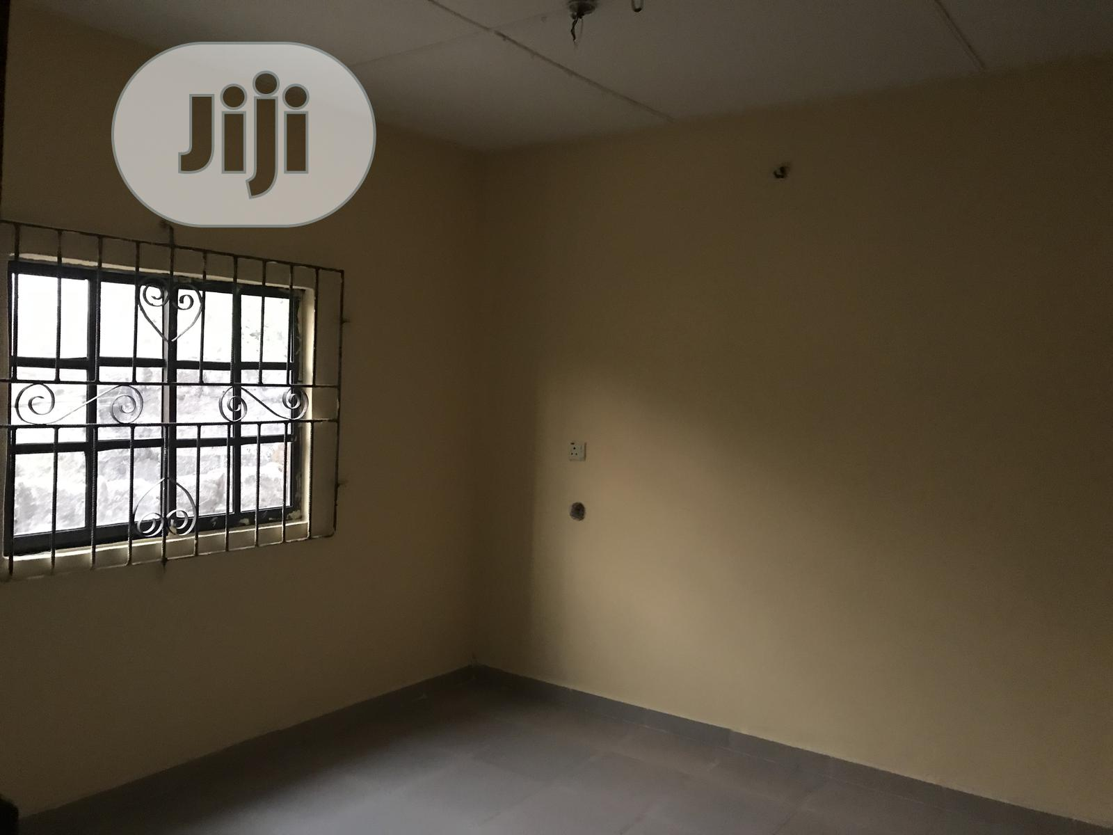 Archive: 2 Bedroom Flat in a Fence Compound for Rent in Agbarho