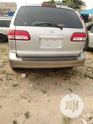 Toyota Sienna 2002 XLE Gold | Cars for sale in Lagos State, Isolo
