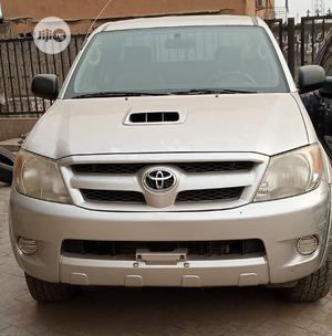 Toyota Hilux 2009 2.5 D-4d 4X4 SRX White   Cars for sale in Lagos State, Abule Egba