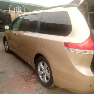 Toyota Sienna 2011 LE 7 Passenger Gold | Cars for sale in Lagos State, Amuwo-Odofin