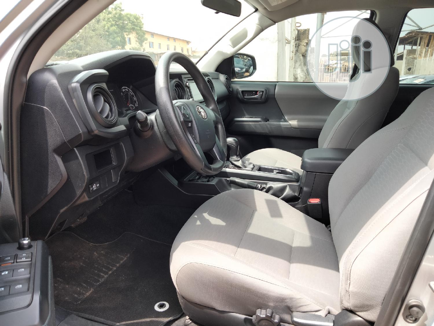 Toyota Tacoma 2016 4dr Double Cab Gray | Cars for sale in Ibadan, Oyo State, Nigeria