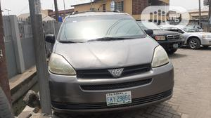 Toyota Sienna 2005 LE AWD Gray | Cars for sale in Lagos State, Surulere