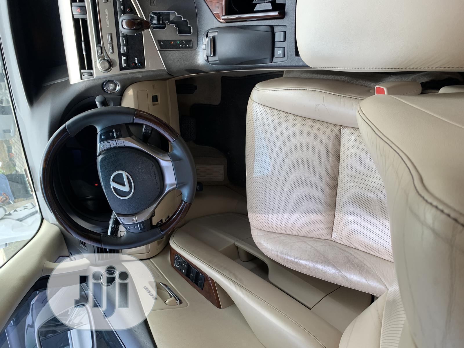 Archive: Lexus RX 2015 350 FWD Gold