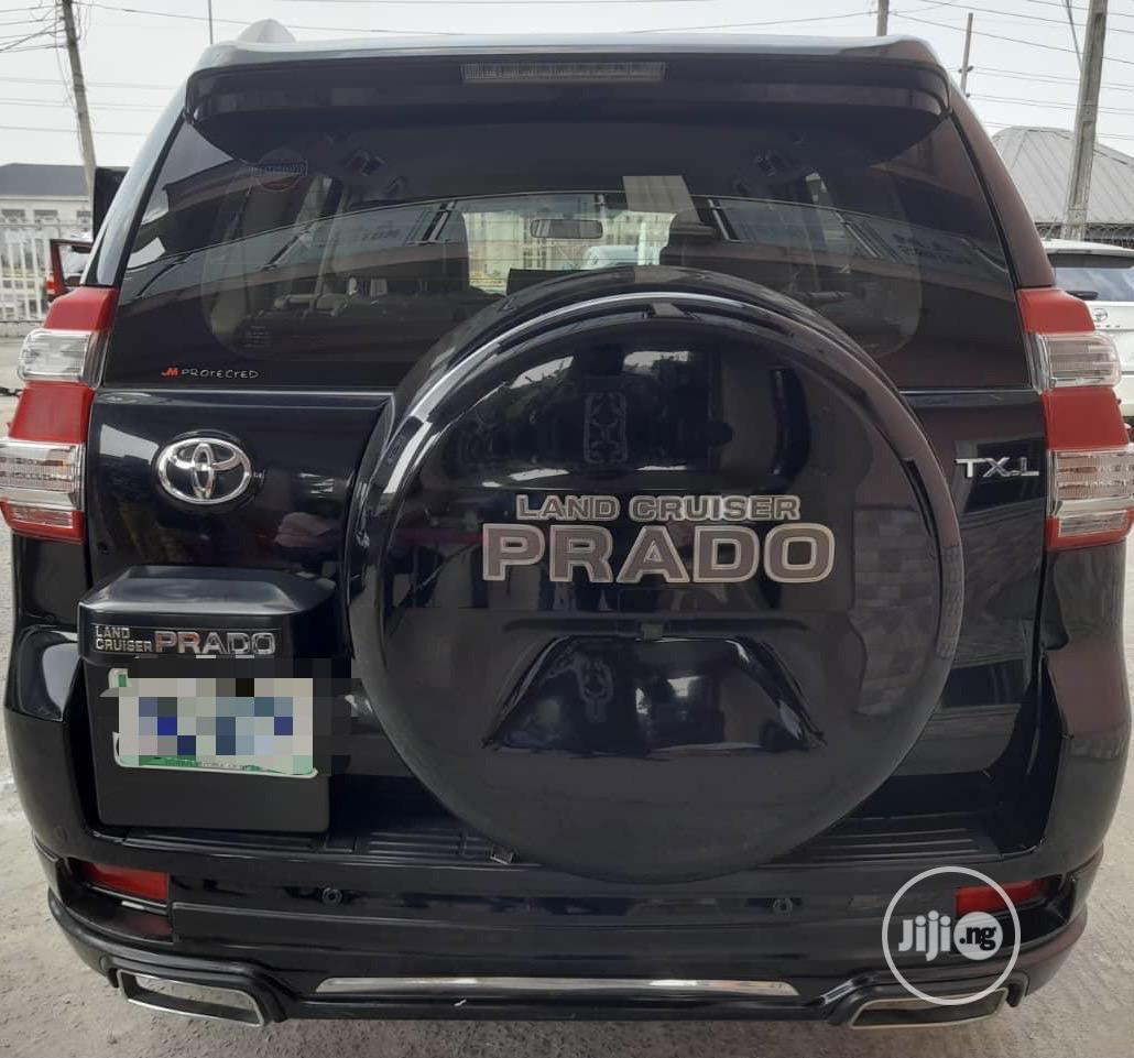Archive: Toyota Land Cruiser Prado 2017 Black