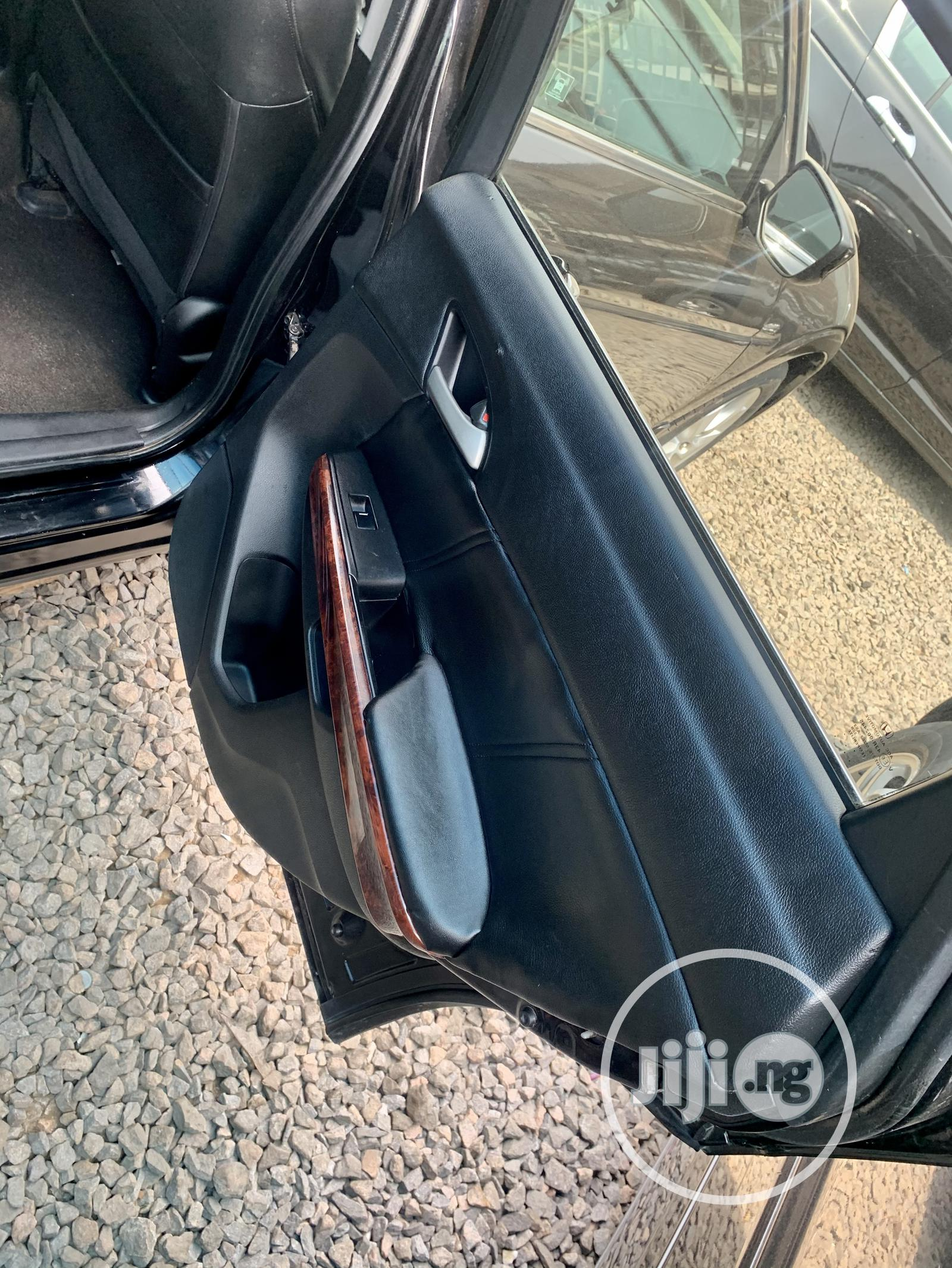 Archive: Honda Accord CrossTour 2010 EX-L AWD Black