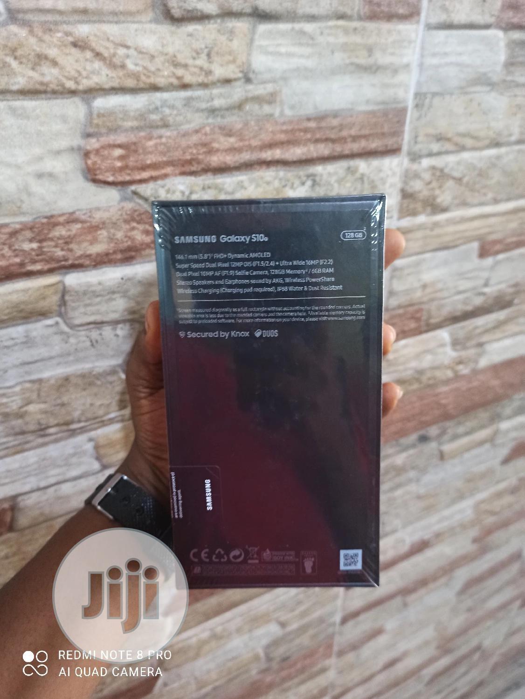 Archive: New Samsung Galaxy S10e 128 GB