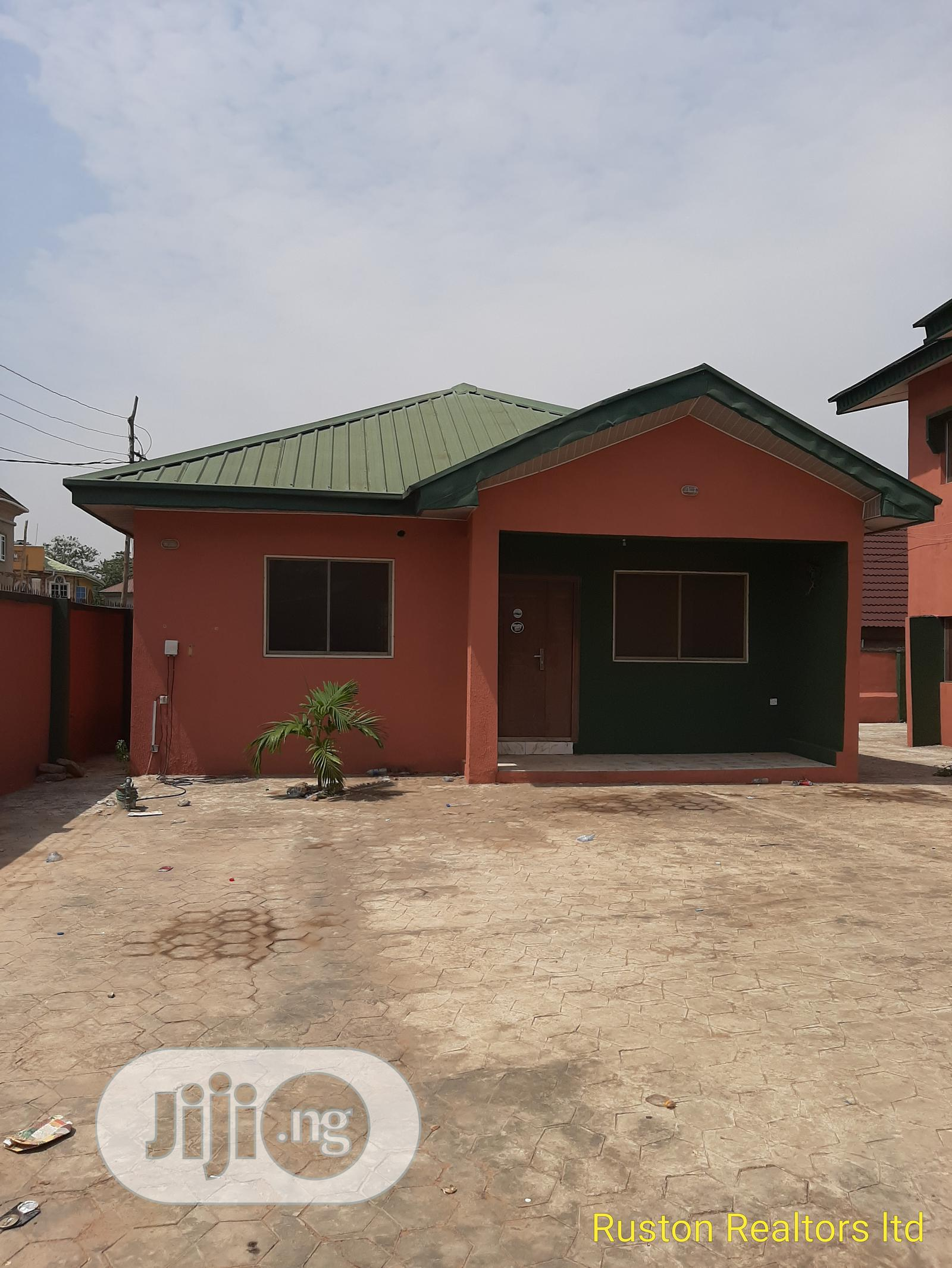Block of 4 Flats of 3 Bedrooms With 2 Bedroom Bungalow   Houses & Apartments For Sale for sale in Bodija, Ibadan, Nigeria