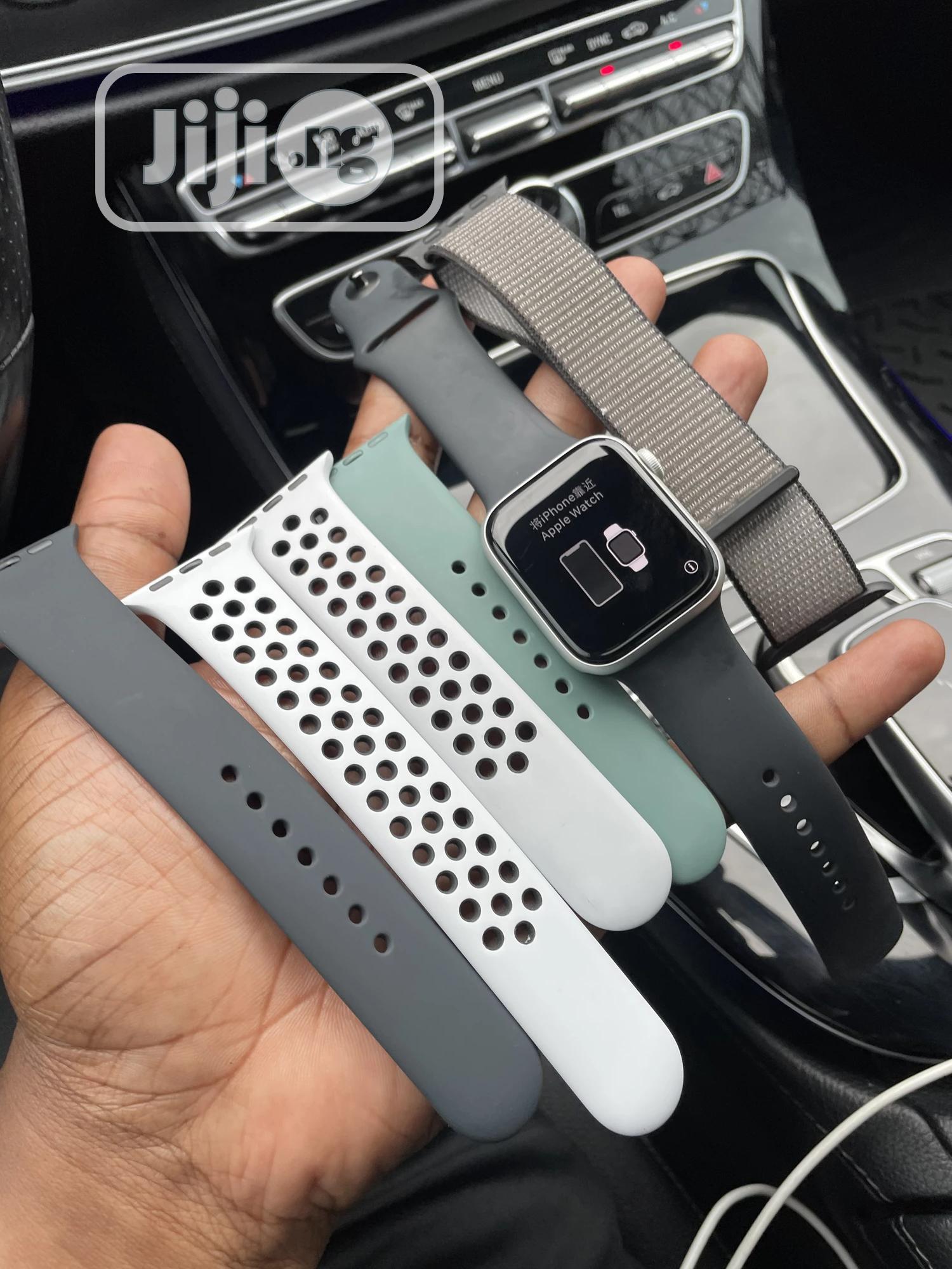 Nike Apple Watch Series 5 44MM