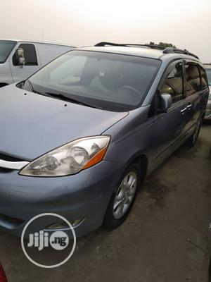 Toyota Sienna 2006 LE AWD Blue | Cars for sale in Lagos State, Isolo