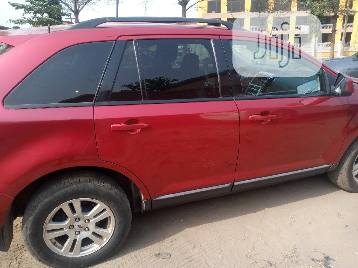 Archive: Ford Edge 2008 Red