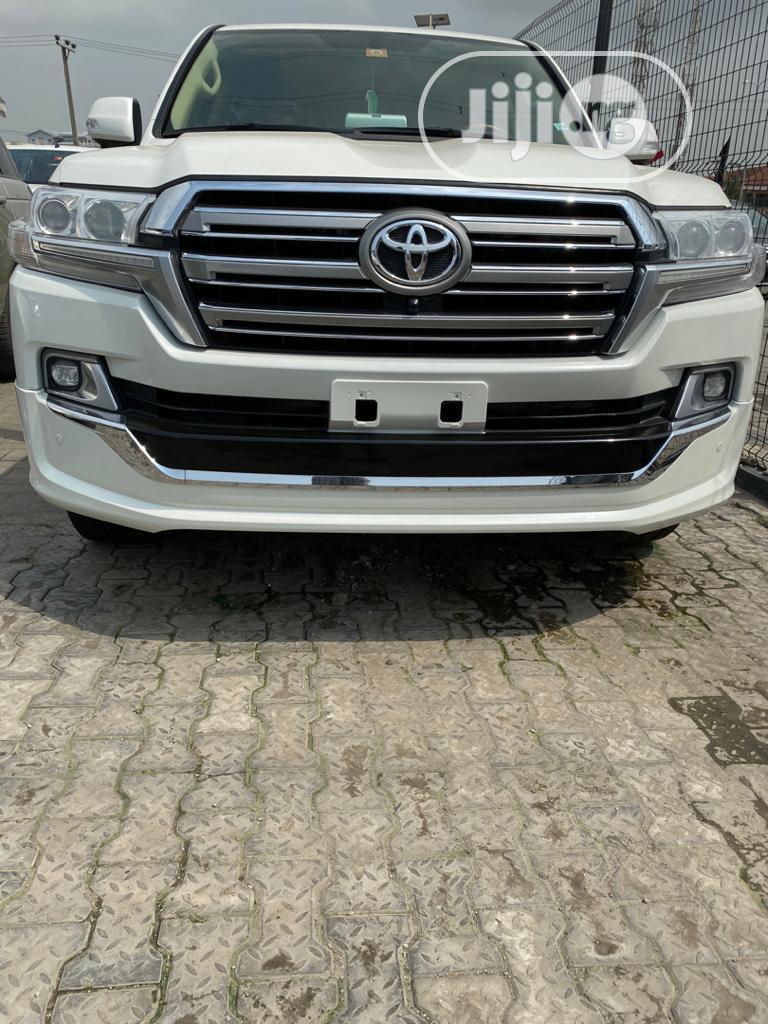 Toyota Land Cruiser 2017 4.6 V8 GXR White