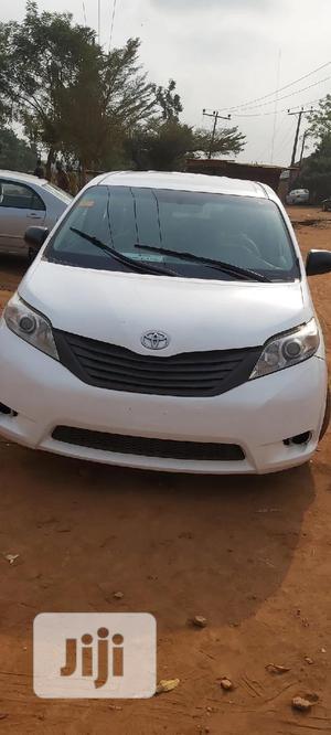 Toyota Sienna 2012 XLE 8 Passenger White   Cars for sale in Lagos State, Ikorodu